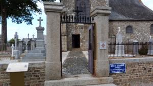 Cimetière aux tombes très anciennes